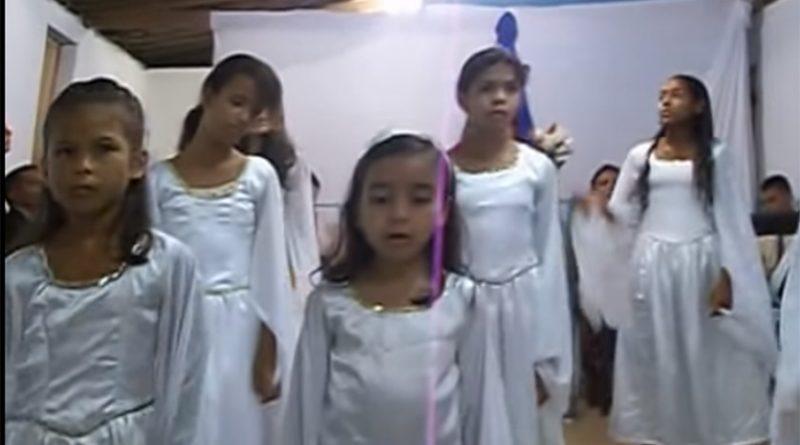 Crianças e adolescentes da CEPEA em junho de 2015