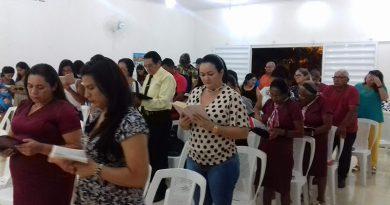 """Culto da UNIFEA tem cura, renovo, """"alimentação"""" e restauração"""